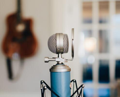 Heimstudio mit Mikrofon